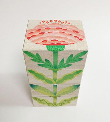 お花木箱は重ねると背丈が伸びます。