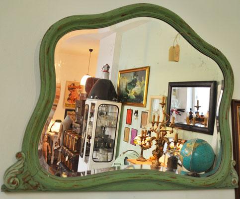 Spiegel antik, Globus