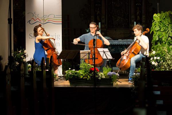 Chiara Enderle, Jens Peter Maintz und Andrei Ioniţă bei den Proben