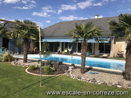 La piscine , Escale en Corrèze .