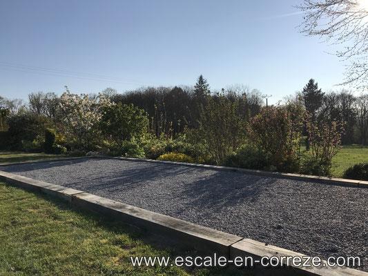 Terrain de pétanque , Escale en Corrèze .