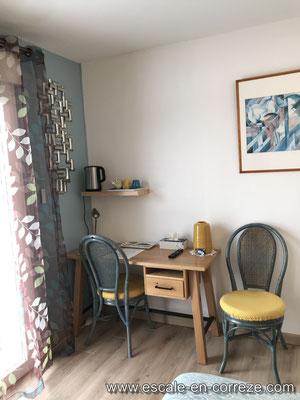 Chambre côté terrasse Escale en Corrèze