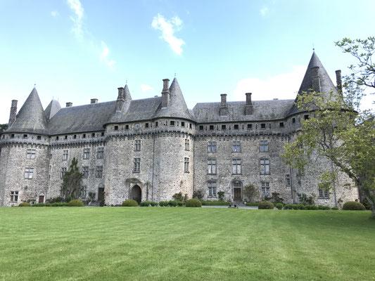 Le chateau de Pompadour .