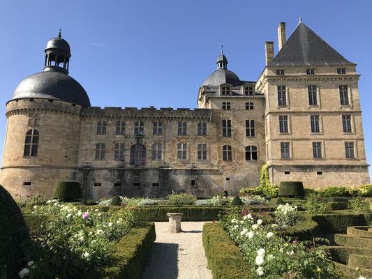 Chateau de Hautefort .