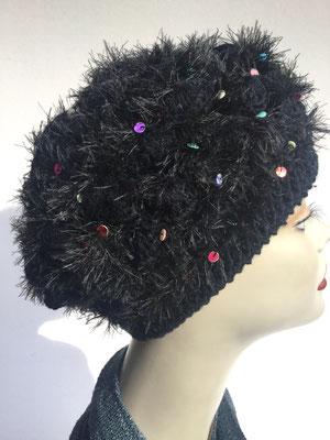 Wi 59h - Kopfbedeckungen nach Chemo - Winterrmodelle -  Artischocke gehäkelt - schwarz mit farbigen Pailletten