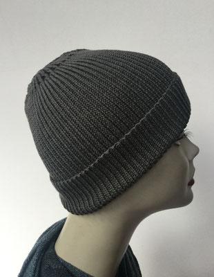Wi 92- Vreni Lorenzini - Kopfbedeckungen kaufen- Wintermodelle - Melone gestrickt - grau