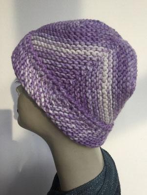 Wi 101 - High-Tech Supermodell  gestrickt - violett weiss - Kopfbedeckung nach Chemo