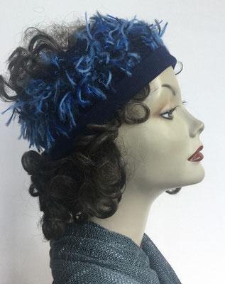 Wi 110 Stirnband bläulich, hier mit Perücke abgebildet