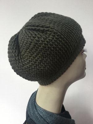 Wi 89d - Kopfbedeckung kaufen - Wintermodelle - Melone gehäkelt - dunkles Olivgrün