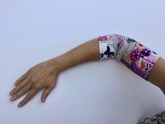 PICC 02 - Venenkatheter am Arm - weiss rot gemustert