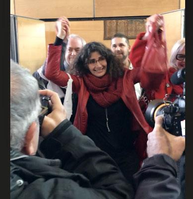 Céline Boussié à la sortie de la salle d'audience le 21/11/17