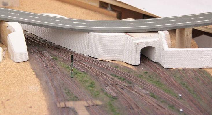 23.06.2012   Durchfahrtstunnel von der Bahnhofsseite gesehen.