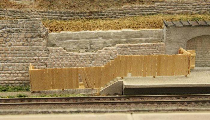 31.07.2013   Der der Treppe angepaßte Verlauf des Baunzauner bring Abwechslung in die Szene.