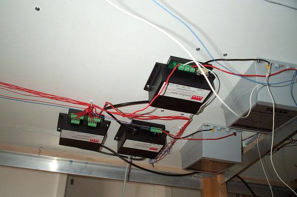 03.10.2007   Zu diesem Zeitpunkt war auch noch nicht klar, wieviele dieser Kästen und Kästchen für die Steuerung der kompletten Anlage benötigt würden.
