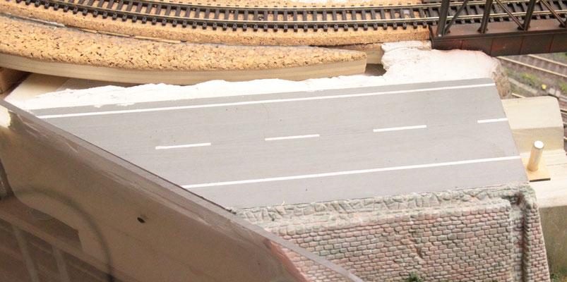 """02.09.2012   Das Brückenteile wurde für die externe """"Asphaltbeschichtung"""" abgenommen."""