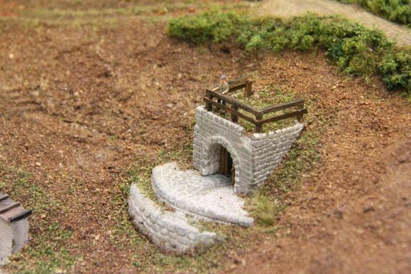 """27.09.2013  Nun sieht der """"Alte Brunnen"""" schon so aus, als wäre er schon immer hier gewesen."""
