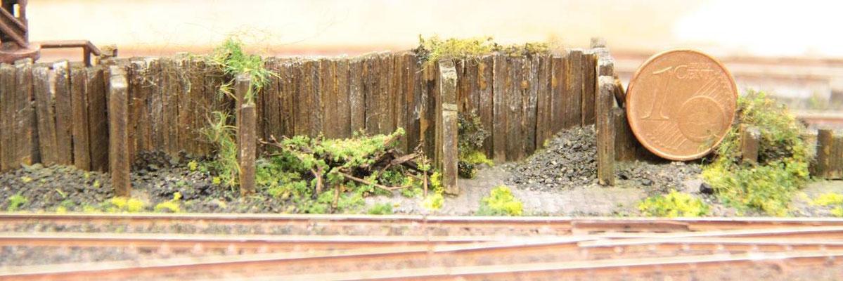 """11.06.2012  Ursprünglich wurde das Einenholz nur mit Salmiakgeist """"geräuchert"""", erschien dann aber im eingebauten Zustand dem Betrachter als noch zu hell."""