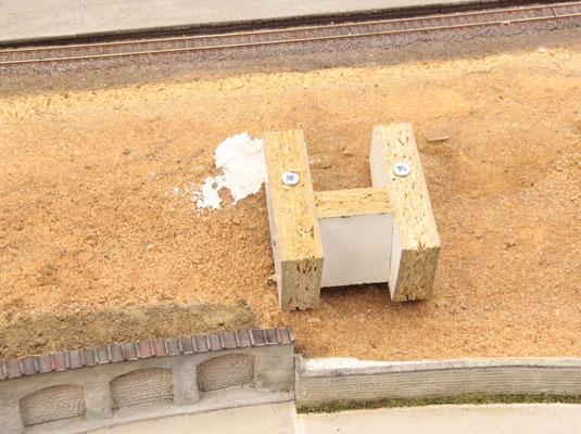 25.08.2013   Am Anfang stand die Idee ein Bauwerk komplett an seinem zukünftigen Standort aus Gips zu gießen.