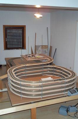 17.09.2007   Und genau hier soll sie dann auch ihren Platz und ihre Bestimmung finden. Auf diesem Bild sieht man schon die provisorisch angeschlossene Wendeschleife.