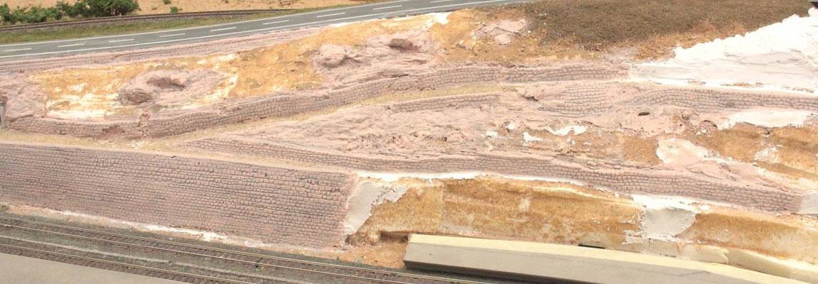 31.08.2012  Dabei wird das Farbwasser von oben nach unten aufgetragen, damit es sich seinen Weg selbst suchen kann.
