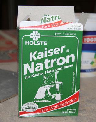 """14.09.2012    Hauptbestandteil des """"Asphaltbelages"""" ist handelsübliches Haushalts-Natron."""
