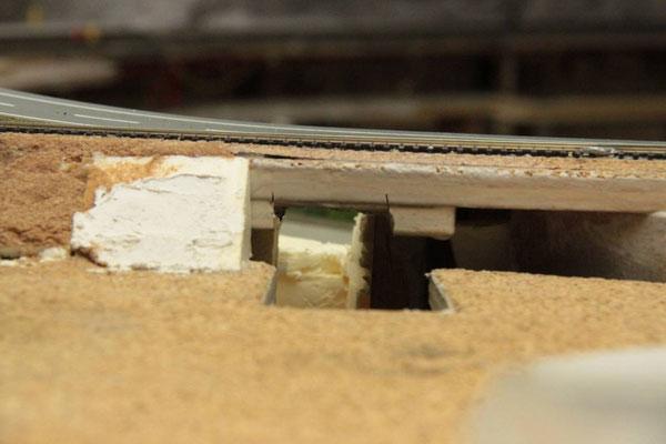 03.08.2012   Durchblick von der Seite des Bw's. Deutlich zu erkennen, dass der Tunnel ein gewisses Gefälle überwinden muß.