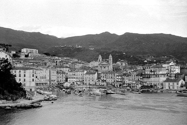 Le Port de Bastia en 1969 ( Scan d'un négatif 24x36)  ( Praktica )