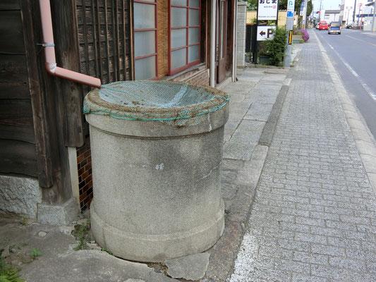 石岡市、天水桶