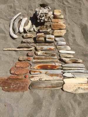 Katell Gélébart's arrangement of the wooden objects