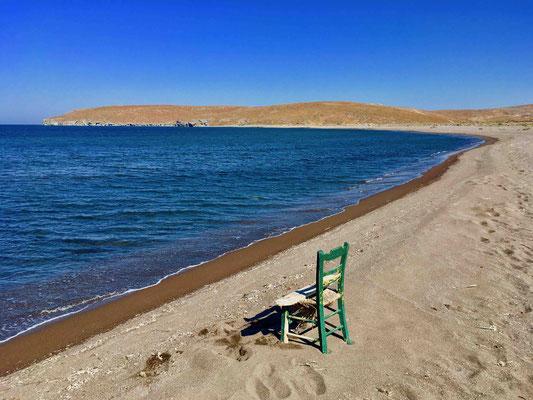 Der menschenleere Strand
