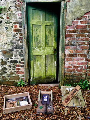 Final arrangement in front of the entrance door