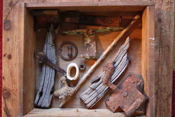 Neo-archäologische Legung 4 der Fundstücke