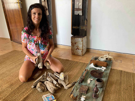 Katell Gélébart adding small collages on driftwood to my findings