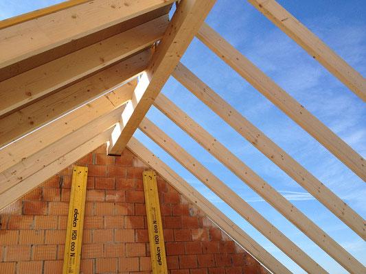 Zimmerei - Kurt Strub Riken - Zimmerei | Dachbau | Spenglerei | Fassadenbau | Innenausbau