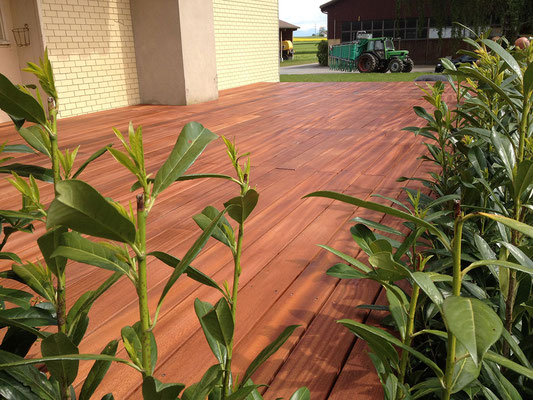Holzboden - Kurt Strub Riken - Zimmerei | Dachbau | Spenglerei | Fassadenbau | Innenausbau