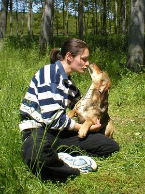 io e Luna in canile, quando la nostra relazione si stava rafforzando... e io mi stavo innamorando di lei