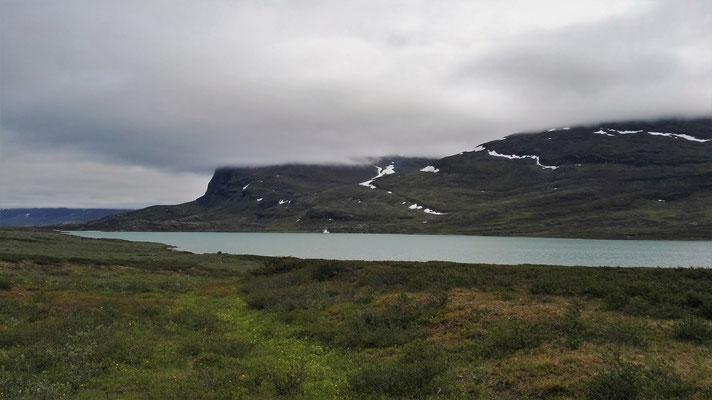 ...und immer noch - ist ein ziemlich langer See.