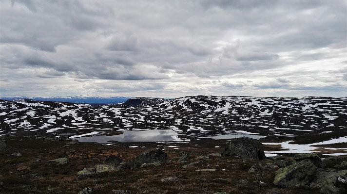 So viel Berg ist da gar nicht - die Hälfte ist Spiegelung im See