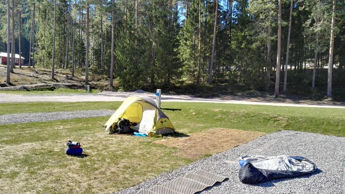 Vorsaison auf menschenleerem Campingplatz - viel Platz um mein Zeug zu Lüften