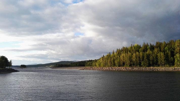 Blick über den See direkt am Campingplatz