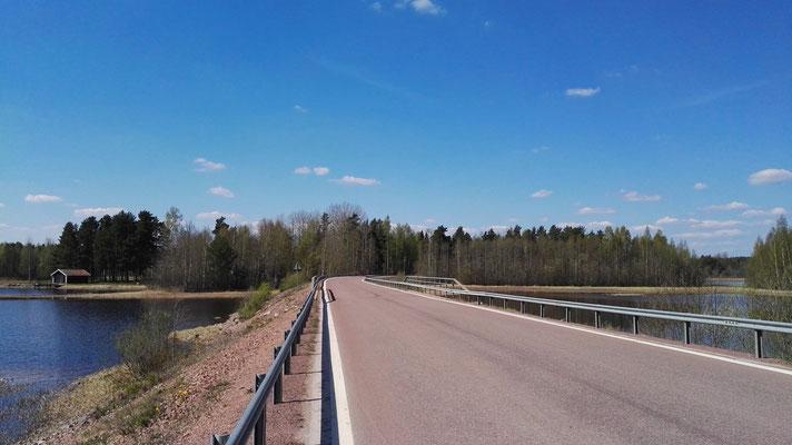 Die Brücke hinüber nach Sollerön. Zum Glück war nicht viel Verkehr.