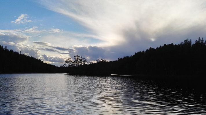 Abend am Stora Djäknasjön - das sieht nach Unwetter aus