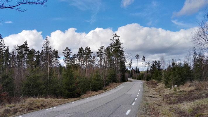 ...und Landstraßen in Richtung Norden