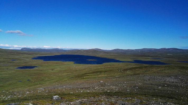 Der Moskanjavri - so blau kann doch kein See sein