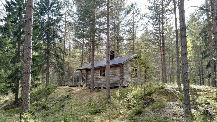 Komfortabel! Heute Nacht schlafe ich in einer Hütte!