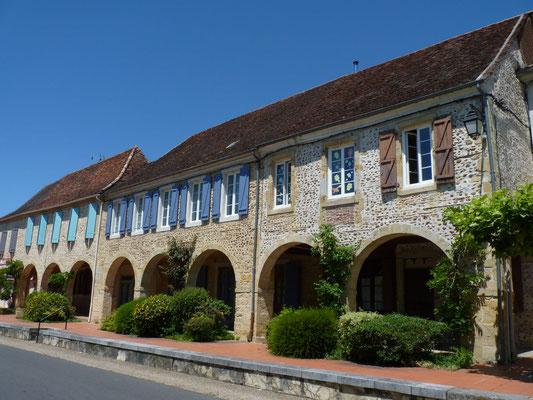 Arcades de la bastide d'Arzacq-Arraziguet - Nord Béarn Madiran