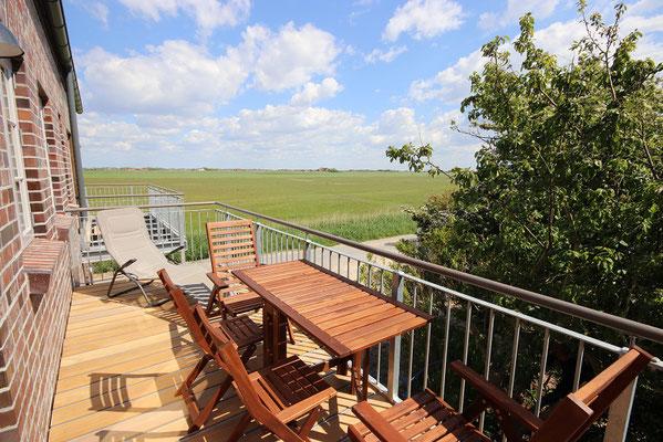 Balkon mit Weitsicht in der Ferienwohnung Schäfer's Loge