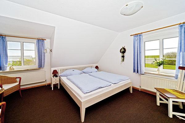 Schlafzimmer in der Ferienwohnung Hooge