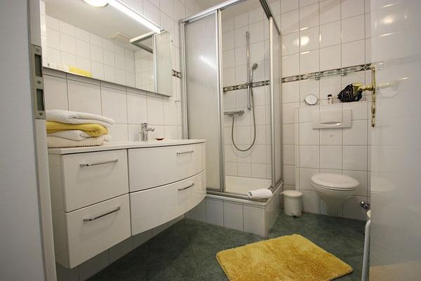 Badezimmer in der Ferienwohnung Langeneß