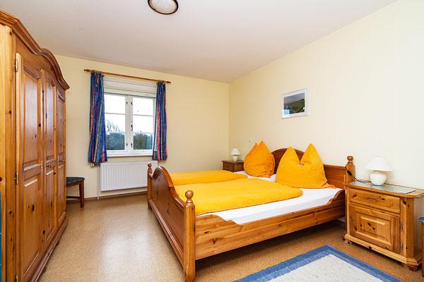 Eltern-Schlafzimmer in der Ferienwohnung Habel